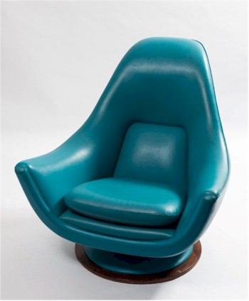 A 'High Society' 1960s Swivel Armchair After the Design by Peter Cutts (FS24/861).