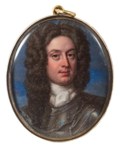 Attributed to Christian Friedrich Zincke [1685-1767] - A miniature enamel portrait of a nobleman,- head and shoulder, with long dark wig and wearing armour, oval, 4.5cm.