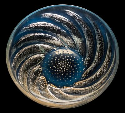 Sale FS40; Lot: 0535: A Lalique glass bowl 'Poissons' the exterior intaglio moulded with bubbles and encircling fish, the interior base embossed R Lalique, 24cm diameter.